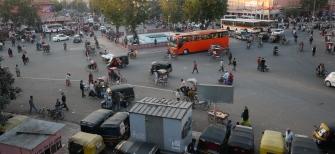 Eski şehrin ana meydanı akşam saatlerinde çok kalabalık olacak.