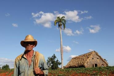 Küba-Ertuğrul Dündar