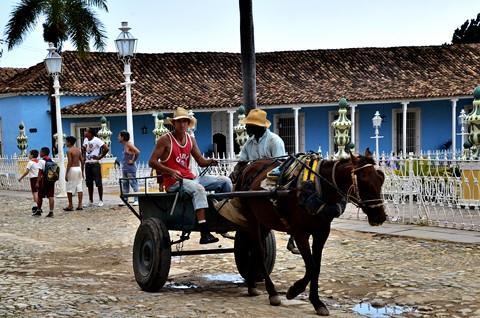 Küba-Nazan Aşkalli