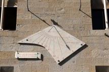 D'Albertis Kalesi'nde güneş saati