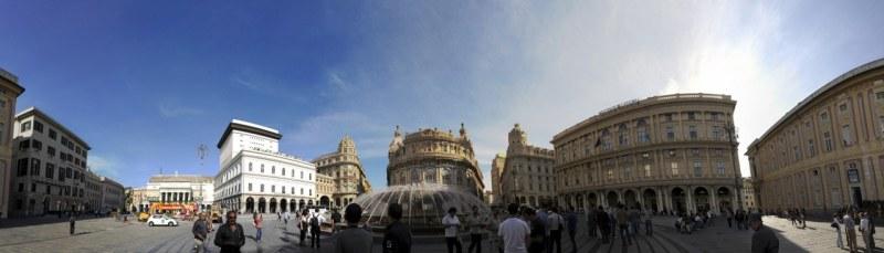 Ferrari Meydanı tarihi ve modern Cenova'nın birleştiği yer. Ortadaki büyük fıskiyeli havuzun etrafında geniş bir alan ve alanı çevreleyen önemli binalar yer