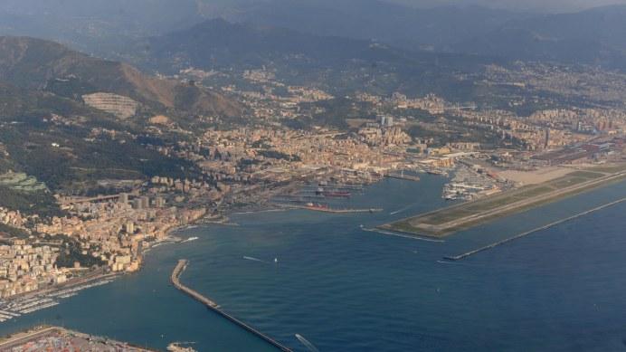Cenova her yıl milyonlarca yolcunun uğradığı modern bir cruise limanına sahip.