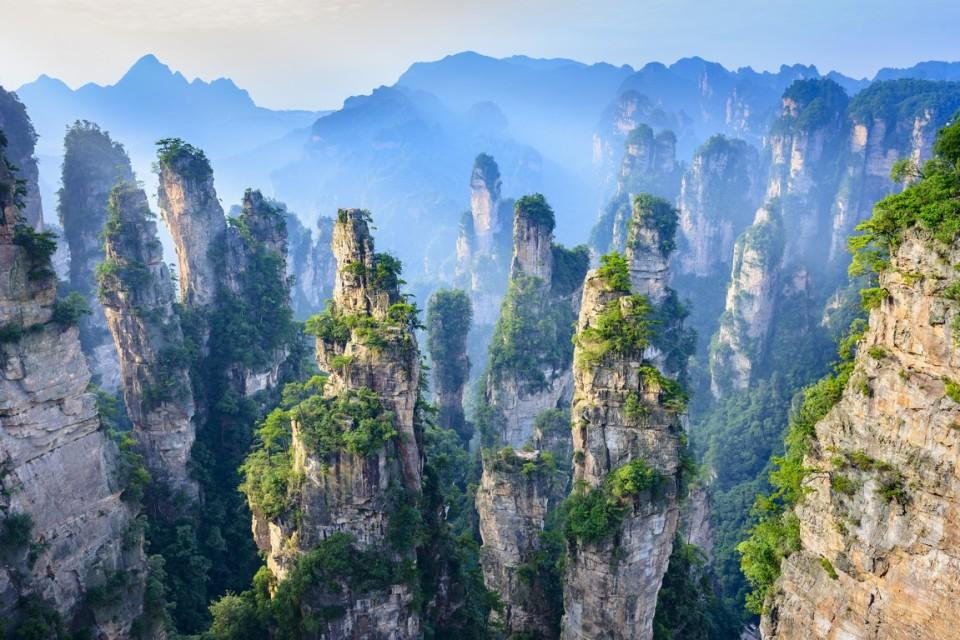 shutterstock_449250082_Zhangjiajie,China (Kopyala)