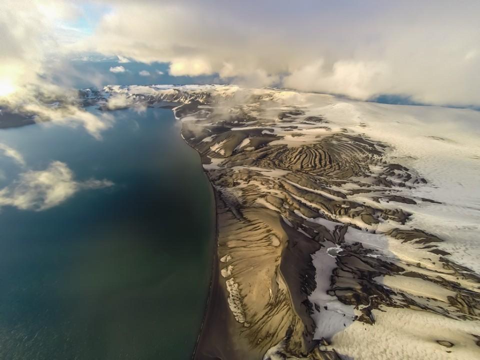 shutterstock_665803492_Deception Island, Antarctica. (Kopyala)