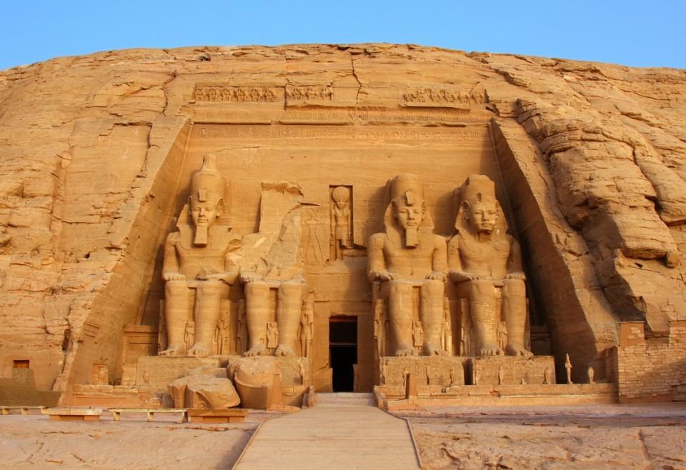 shutterstock_117781186_Abu Simbel (Kopyala)